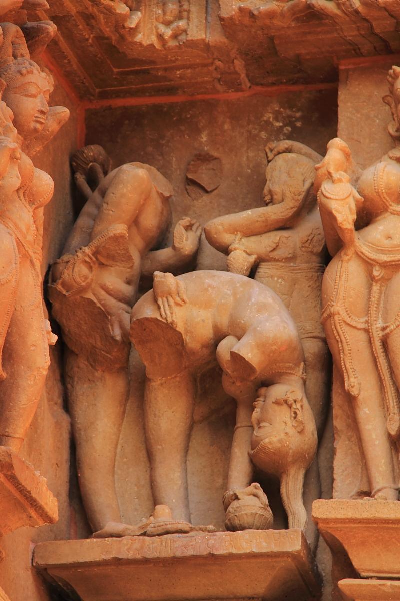 裸体男女雕像的极度魅惑 印度性爱艺术