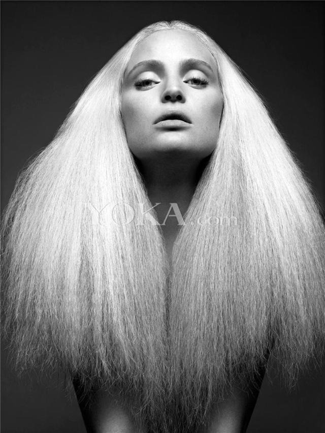 超模集体裸身演绎发型大片图片