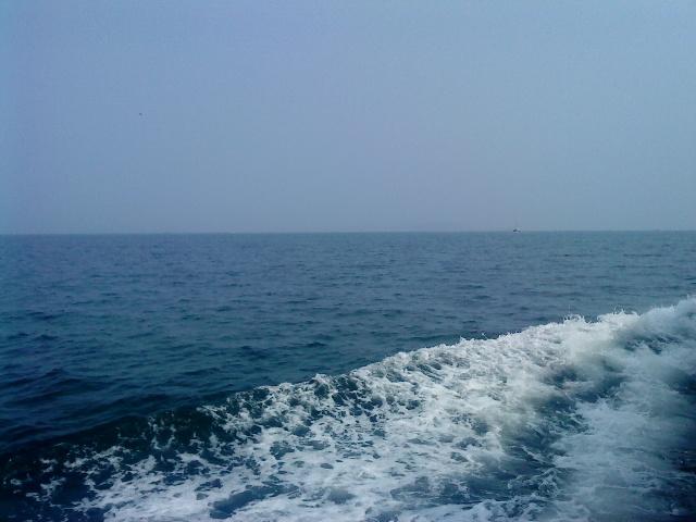 天蓝色大海背景素材
