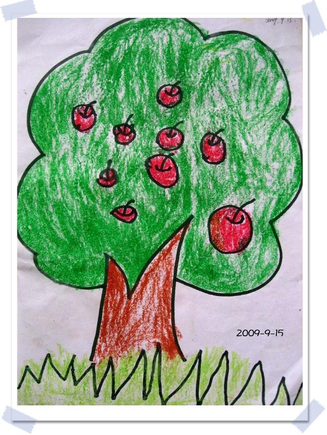 第一张涂鸦作品,苹果树是老师画的,苹果全是杭儿自己画的哦.