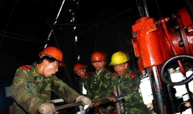 神秘的中国武警黄金部队 图图片