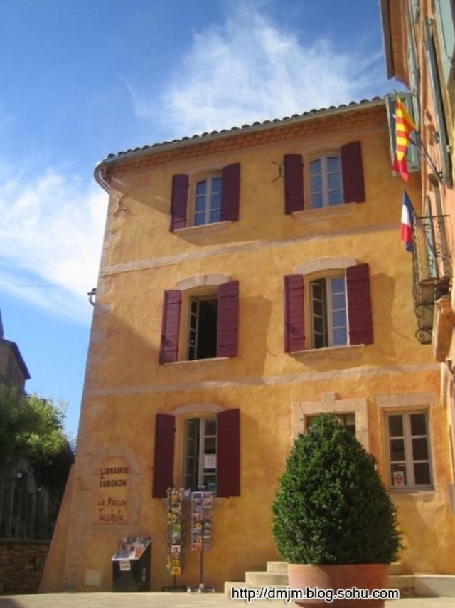 落有致的中世纪城堡、是普罗旺斯独有的建筑风格、-放慢节奏,享受