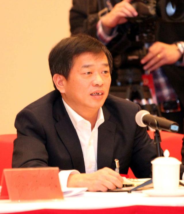 省人大常委会原副主任马潞生,市领导黄晓炎,张兆民,陈万里,李新春等龙