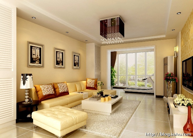 浅黄色墙漆,鹅黄色软皮沙发,咖啡色布艺窗帘,整体空间温暖舒适.