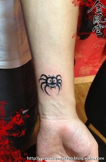 蜘蛛纹身 手腕莲花纹身 图腾纹身 十字架纹身 臂环纹身